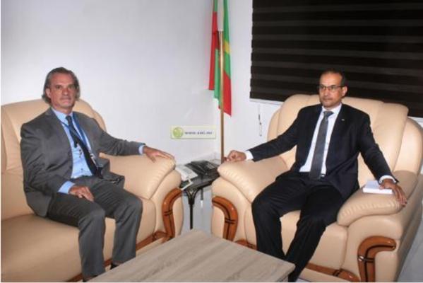 Le Commissaire aux droits de l'Homme s'entretient avec le représentant du HCDH
