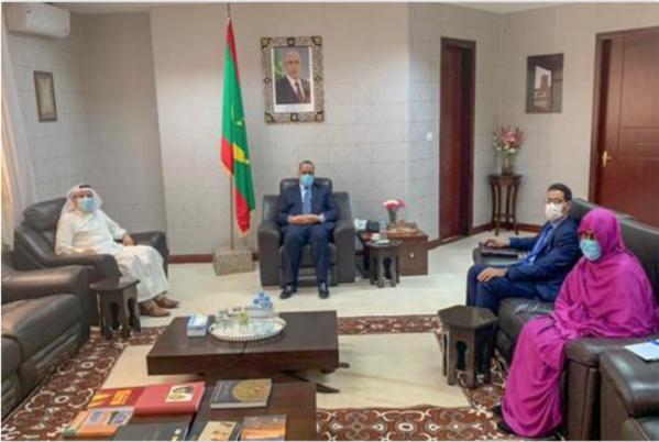 Le ministre des Affaires étrangères reçoit l'ambassadeur du Koweït