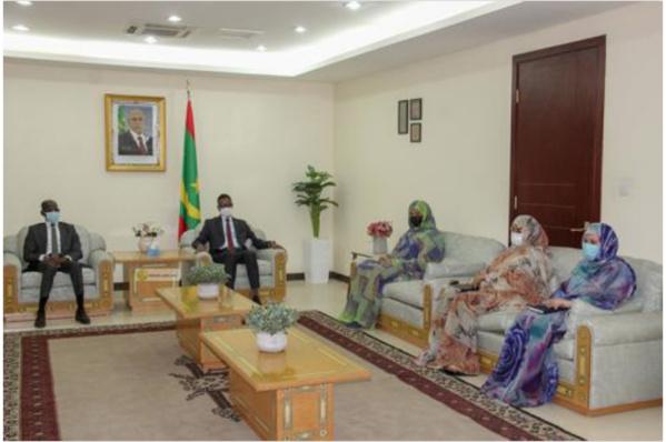 Le Premier ministre reçoit le directeur général de l'Organisation africaine de la Propriété intellectuelle