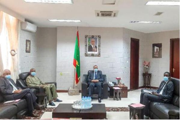Le ministre des Affaires étrangères reçoit le Haut Représentant de l'UA au Mali et au Sahel