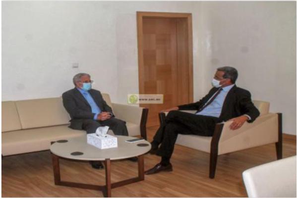 Le ministre des Pêches s'entretient avec l'ambassadeur d'Espagne