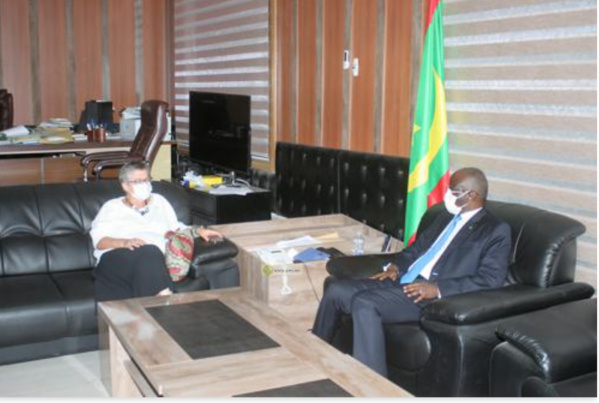 Le ministre de l'Intérieur reçoit la directrice de l'Agence française de Développement