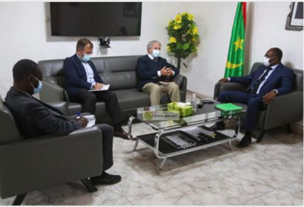 Le ministre de la Santé reçoit l'ambassadeur du Royaume d'Espagne