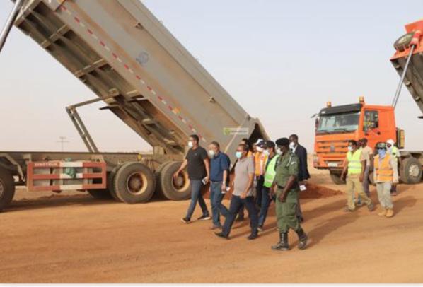 Le ministre de l'Équipement s'enquiert de l'état des travaux de construction de certains tronçons de la route Nouakchott– Aleg