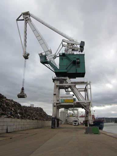 Un équipementier chinois livre 3 grues portuaires à la Mauritanie et à l'Egypte