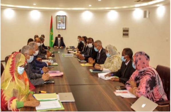 Le Premier ministre préside la réunion mensuelle sur la mise en œuvre du Programme prioritaire élargi du Président de la République