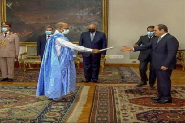 Notre ambassadeur au Caire présente ses lettres de créances