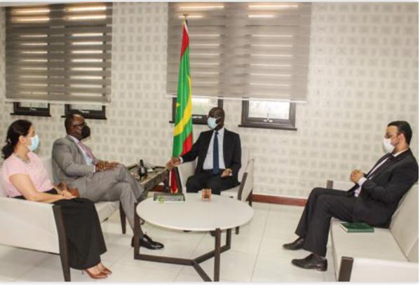 Le ministre des Affaires économiques reçoit le directeur des opérations chargé de la Mauritanie