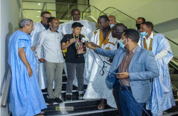 Cérémonie d'accueil en l'honneur du champion africain des Jeux d'échec des moins de 14 ans