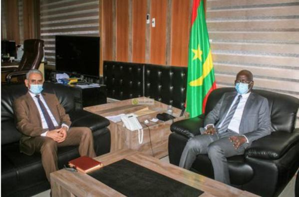 Le ministre de l'Intérieur reçoit l'ambassadeur de Libye