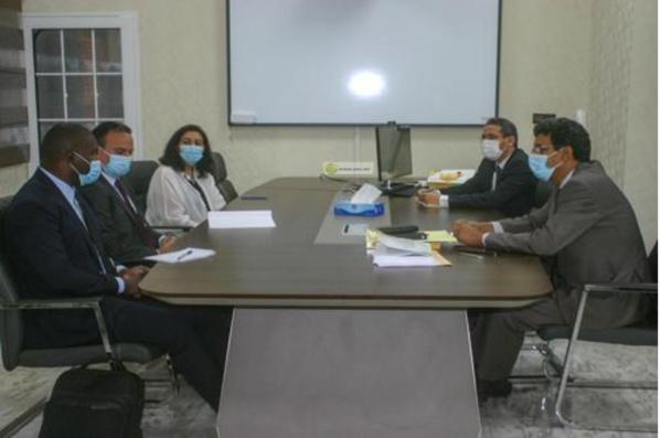 Le ministre des Finances s'entretient avec une délégation de la Banque mondiale
