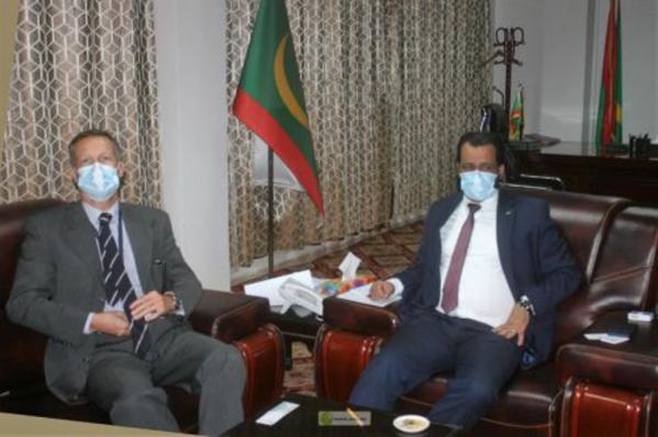 Le ministre des Affaires islamiques reçoit l'ambassadeur chef de la délégation de l'Union européenne