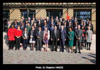 La France face au trafic d'images de notre ministère des affaires étrangères...