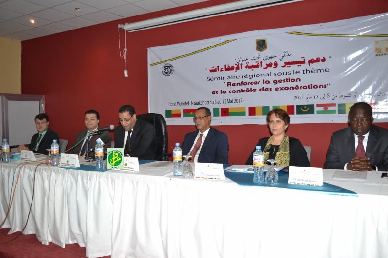 Organisation d'un séminaire régional de la zone Afrique de l'Ouest sur le renforcement de la gestion et du contrôle des exonérations