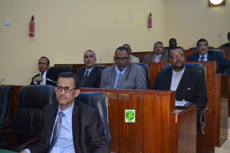 Le Sénat adopte le contrat programme Etat - Société Nationale des Forages et Puits