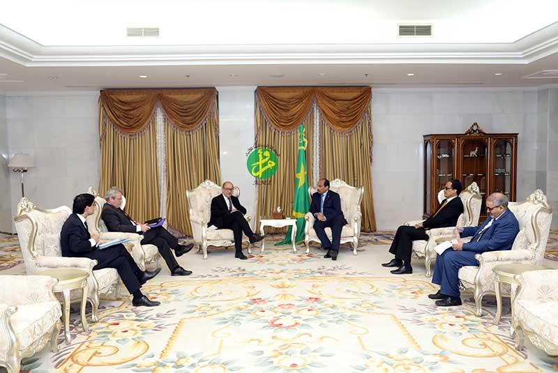 Le Président de la République reçoit le ministre français des affaires étrangères