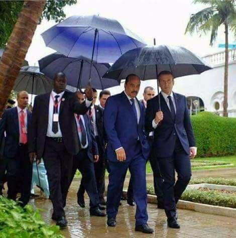 Bouamatou doit être vert : voilà qu'Aziz met Macron dans sa poche…