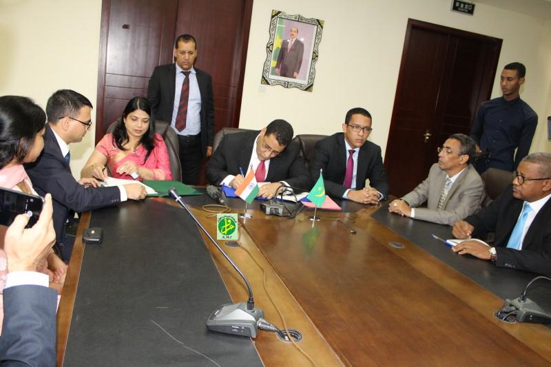 Signature avec l'Eximbank de l'Inde d'un accord de prêt pour le financement du projet de construction d'une ligne de haute tension entre Nouakchott et Nouadhibou