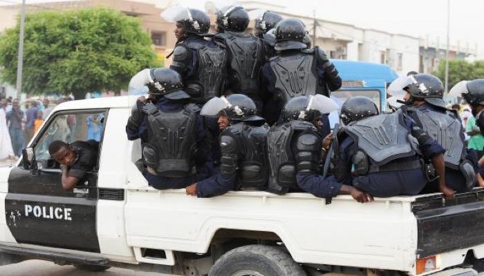 Mauritanie : le sit-in des sénateurs réprimé par la police et le matériel photographique confisqué
