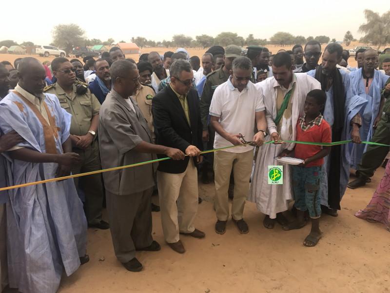 Le directeur général de l'Agence Nationale Tadamoun inaugure une école dans la commune de Timzine, au Hodh El Gharbi