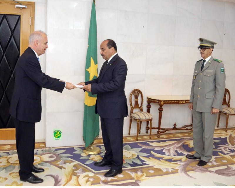 Le Président de la République reçoit les lettres de créances de l'ambassadeur de la Grèce