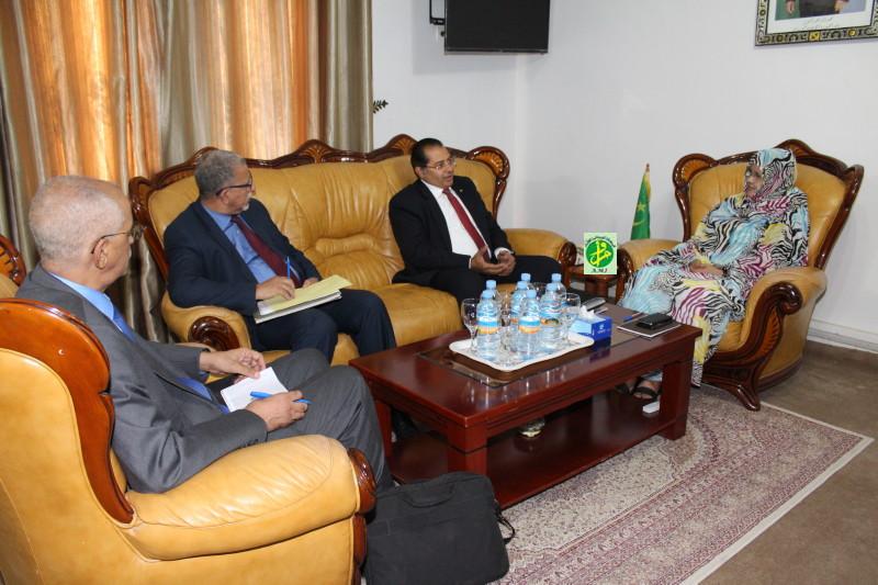 La ministre de l'agriculture reçoit un expert économique de l'Union arabe des pesticides