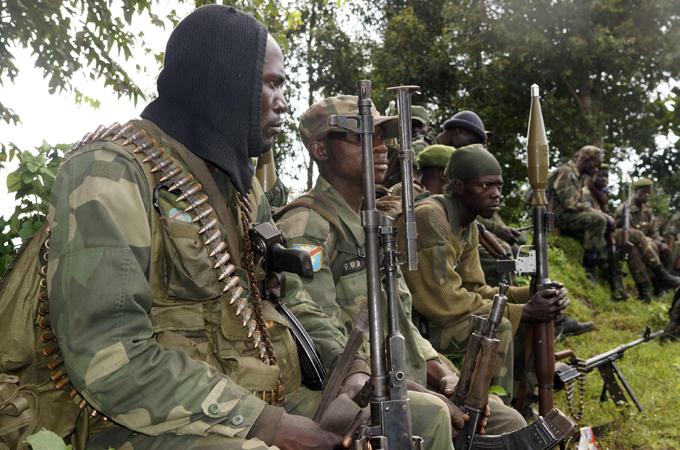 Zimbabwe : des chars vus près d'Harare après des menaces du chef de l'armée