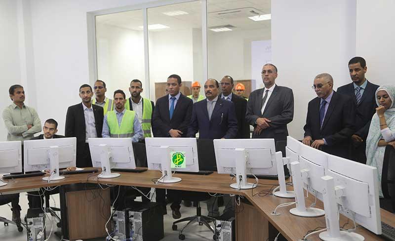 Le Président de la République visite le centre de conduite et de gestions des systèmes électriques