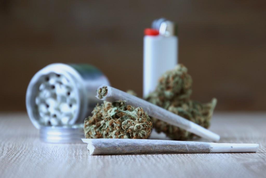Incinération à Zoueirate de quantités de drogue