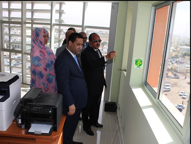 """Le Président de la République visite le nouveau siège de la Société """"Damane"""" d'Assurance et Réassurance"""