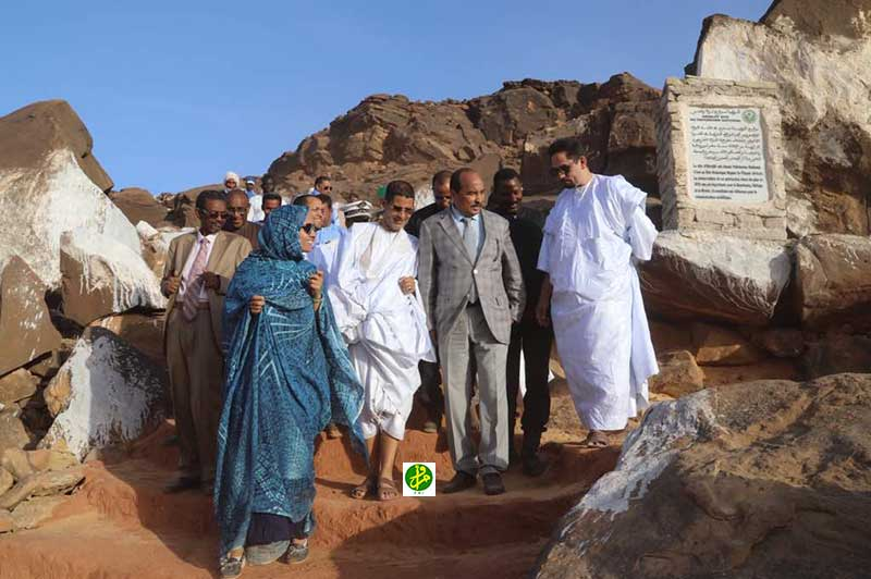 Le Président de la République visite le site archéologique d'Aghreijitt