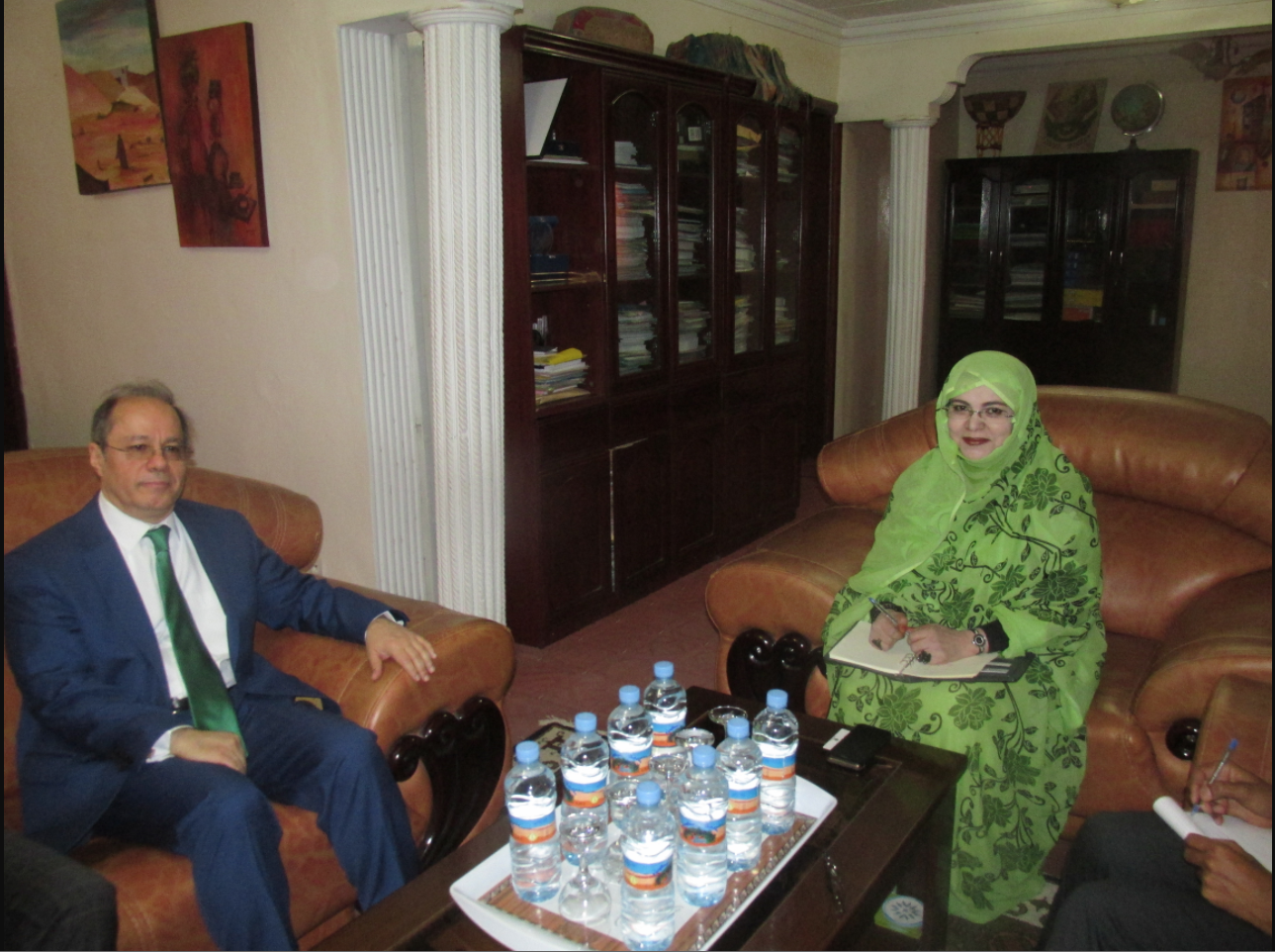 La ministre des affaires sociales reçoit l'ambassadeur turc