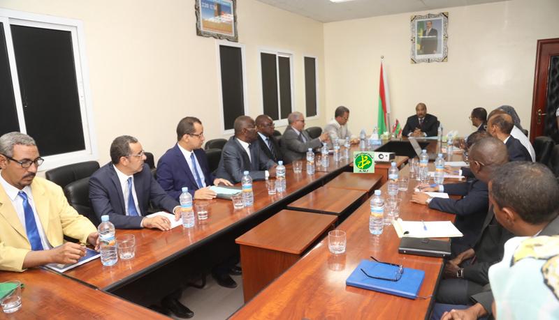 Le président de la République visite la société Nationale de l'Eau