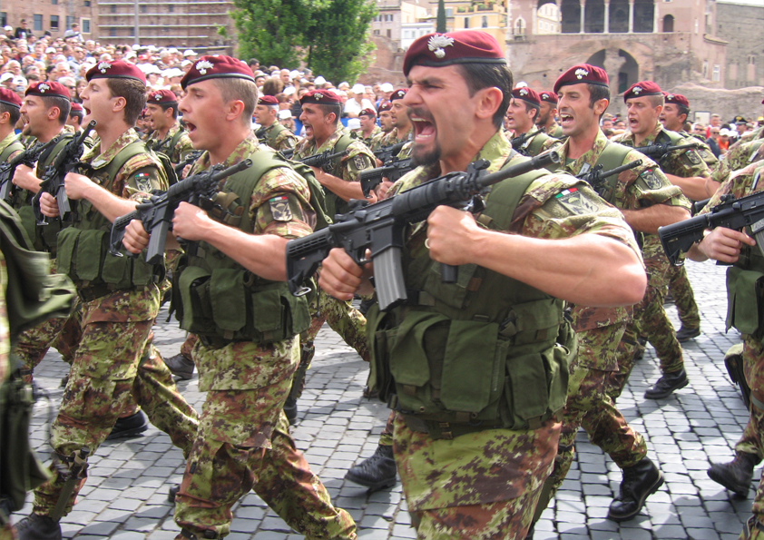Migrations: l'Italie va déployer 470 militaires au Niger (Gentiloni)