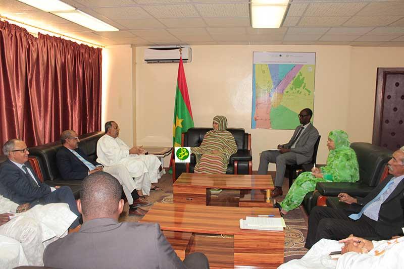 La ministre du Commerce reçoit le bureau de la Fédération des industries