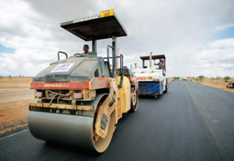 Infrastructures : Le matériel pour la réhabilitation de la route Nouakchott-Rosso sur place