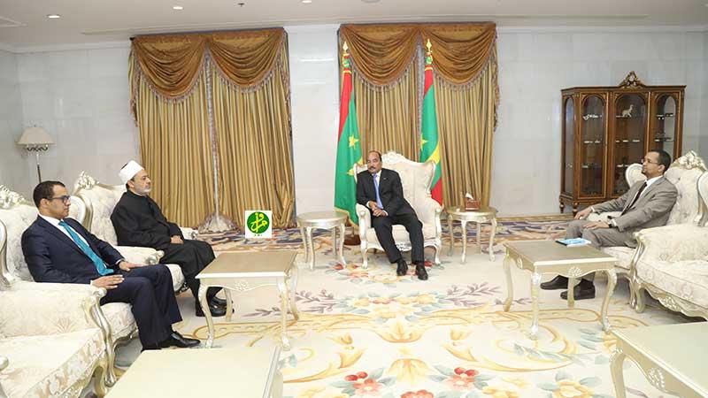 Le Président de la République reçoit le Sheikh d'Al-Azhar