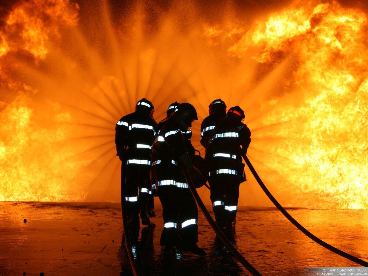 Zoueirat : un incendie éclate près d'une caserne militaire