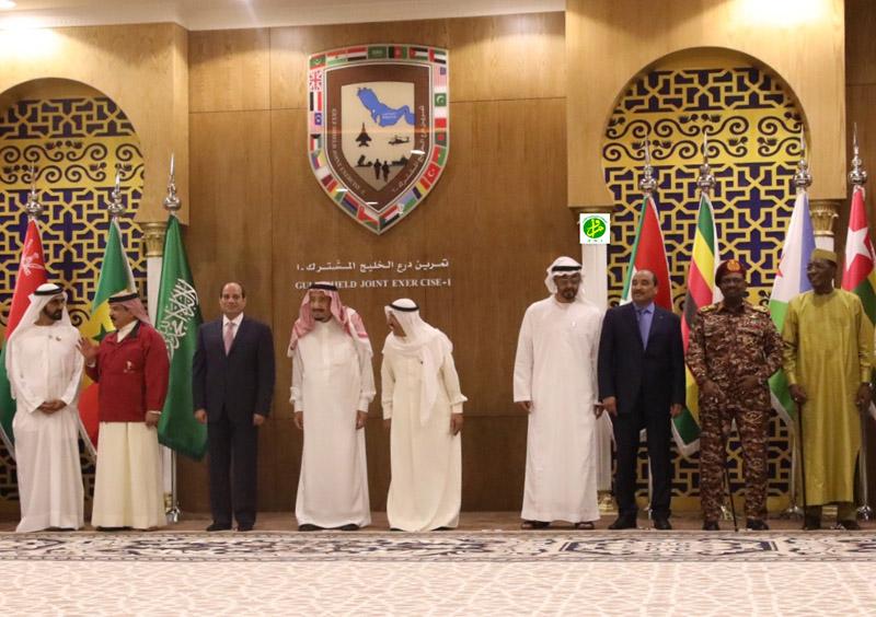 Le Président de la République assiste à la clôture des manœuvres militaires communes du Bouclier du Golfe (I)