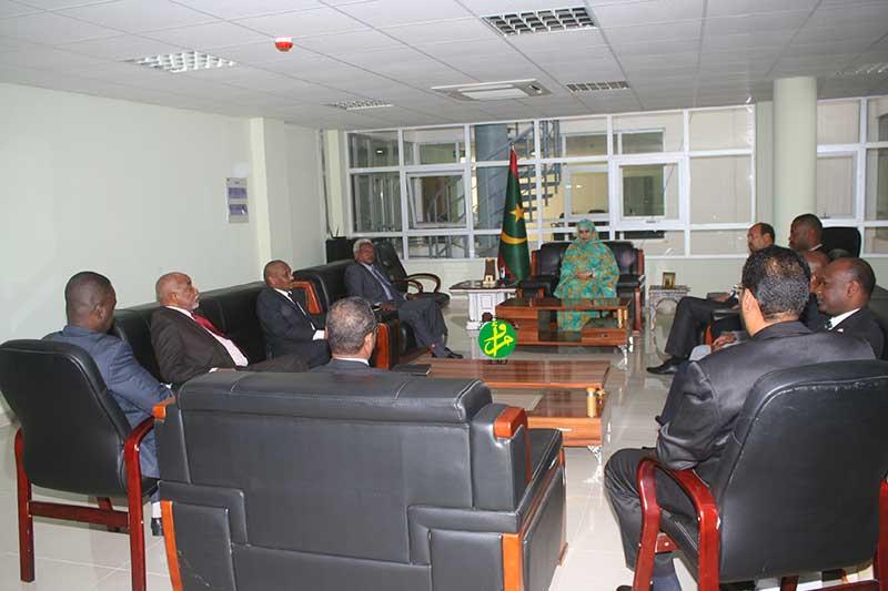 La ministre du commerce s'entretient avec une délégation soudanaise