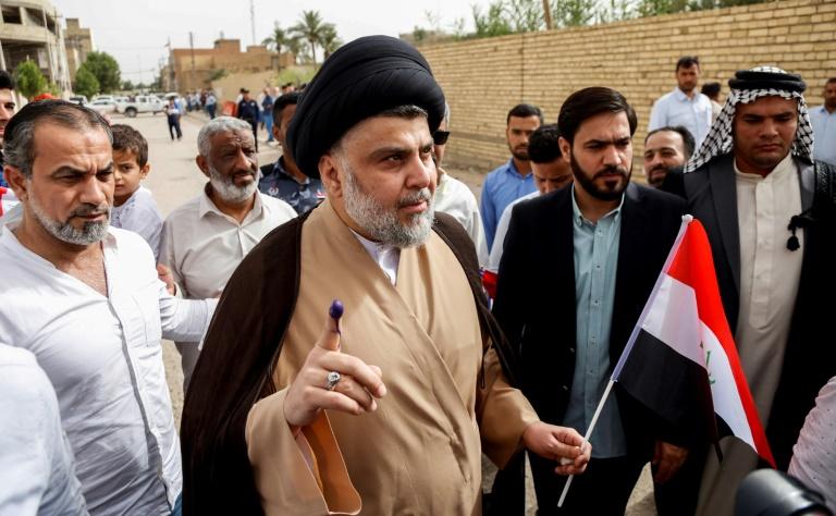 Irak: Moqtada Sadr remporte les législatives, le prochain gouvernement encore loin d'être formé