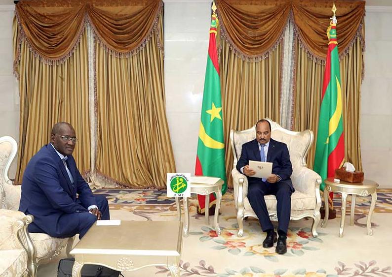 Le Président de la République reçoit un envoyé spécial du président sénégalais