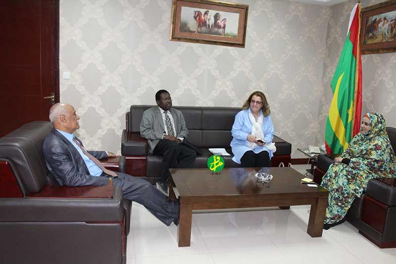 La ministre secrétaire générale du gouvernement reçoit une mission de l'Unesco