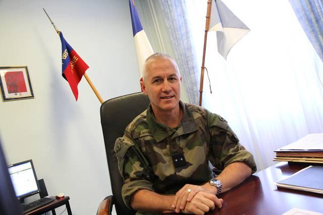 Le Président de la reçoit le commandant de la Force française Barkhane