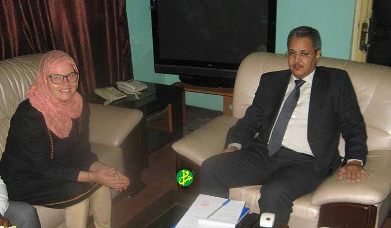 Le commissaire aux droits de l'homme s'entretient avec la représentante du bureau du haut-commissariat aux droits de l'homme