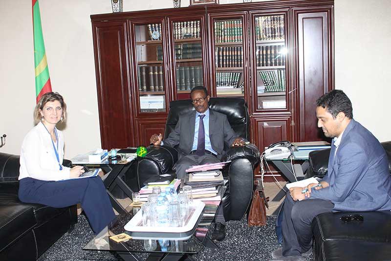 Le ministre de la justice reçoit la chef de mission de l'OIM