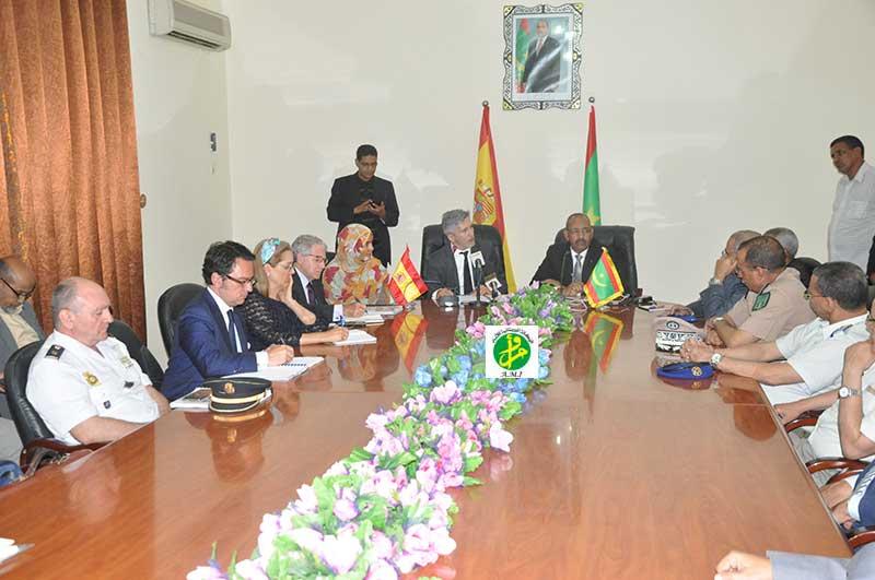 Le ministre de l'Intérieur et de la Décentralisation tient une réunion de travail avec son homologue espagnol