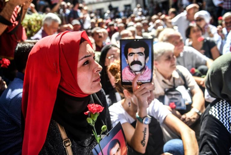 """A Istanbul, les mères de """"disparus"""" refusent d'abandonner"""