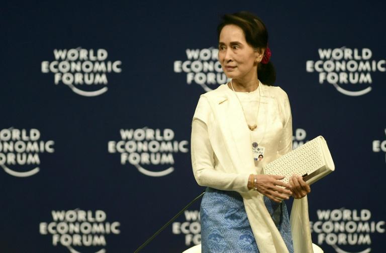 Birmanie: Aung San Suu Kyi défend l'emprisonnement de journalistes de Reuters