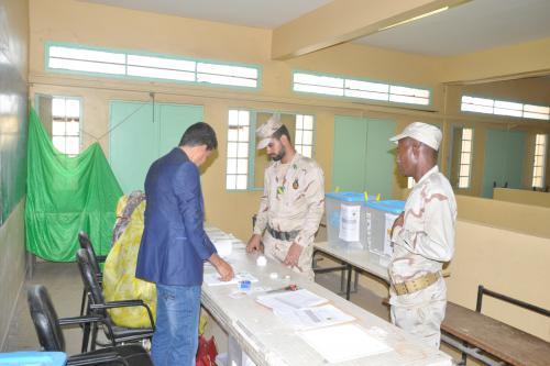 Début de vote des forces armées et de sécurité pour les élections municipales, législatives et régionales